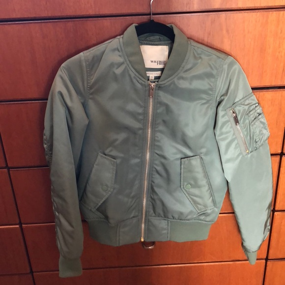 cfaf79af0 Wilfred Free XXS bomber jacket from Aritzia